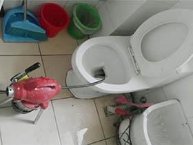 松岗燕川附近哪里有疏通厕所的?