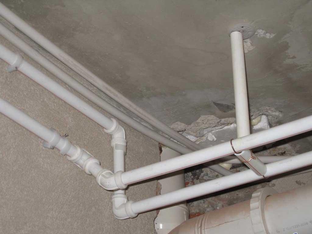 松岗楼岗附近某商场排水管安装